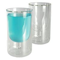 Vyno taurė stiklinėje