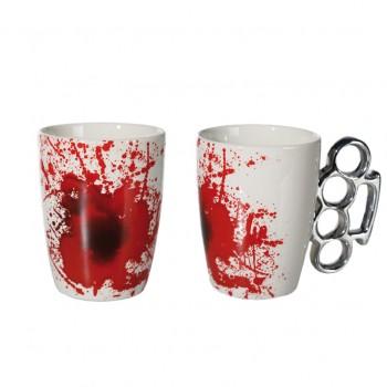 Puodelis su kastetu ir kraujo žymėmis