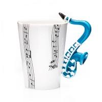 Puodelis su saksofono formos rankena